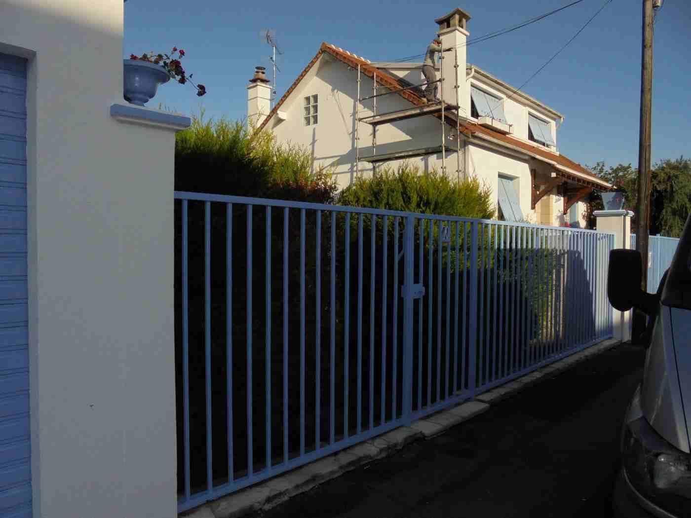 Peinture d'une barrière et d'une clôture métallique gallery