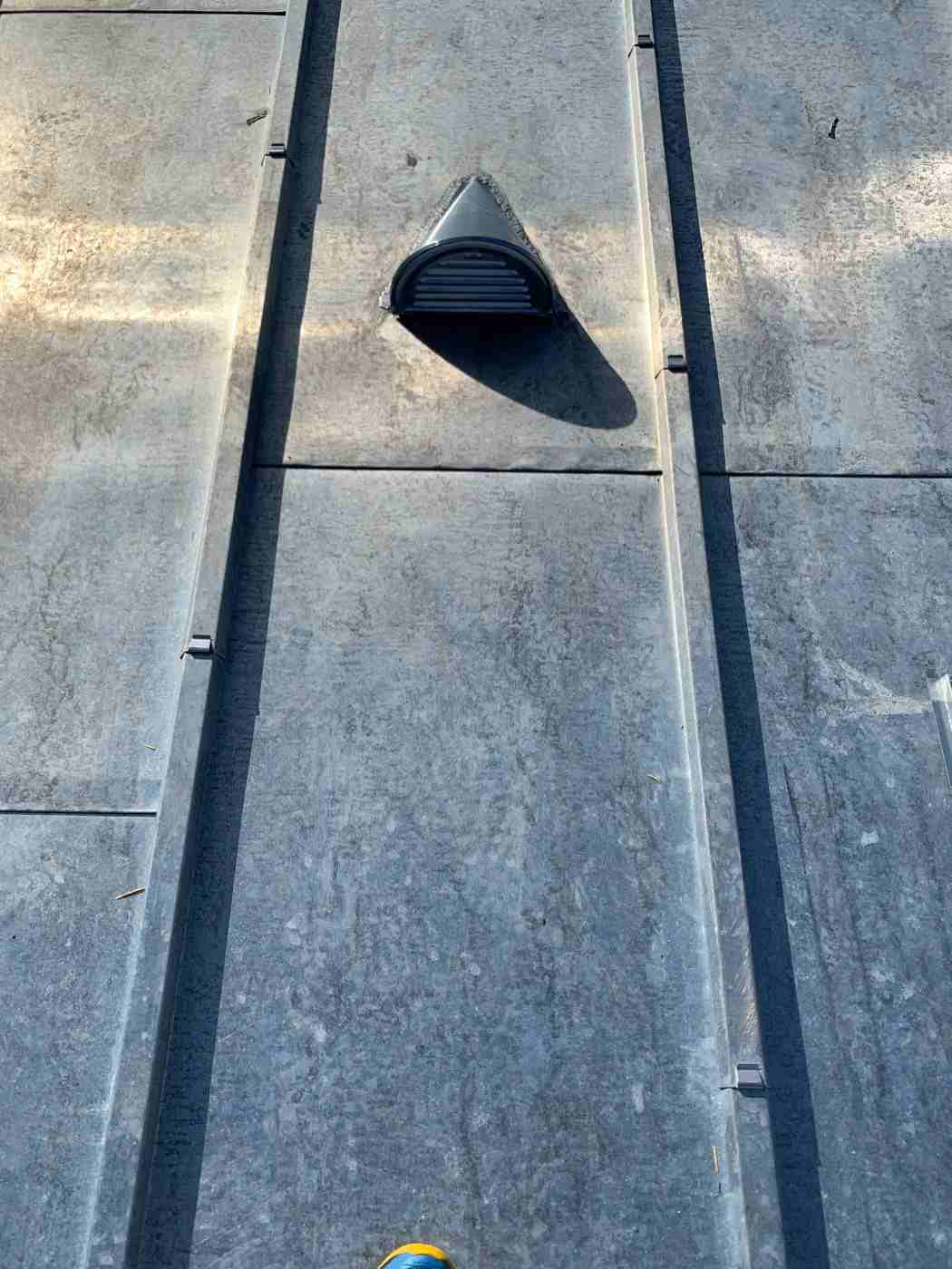 toiture en Zinc avec Velux à Issy-Les-Moulineaux gallery